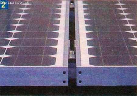 Вариант крепления модулей с помощью алюминиевых профилей и винтовых зажимов.