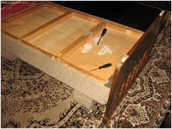 Как происходит обивка дивана или фото инструкция перетяжки ...: http://www.mainstro.ru/articles/master/bas/mjagkaja-mebel/mjagkaja-mebel_1183.html