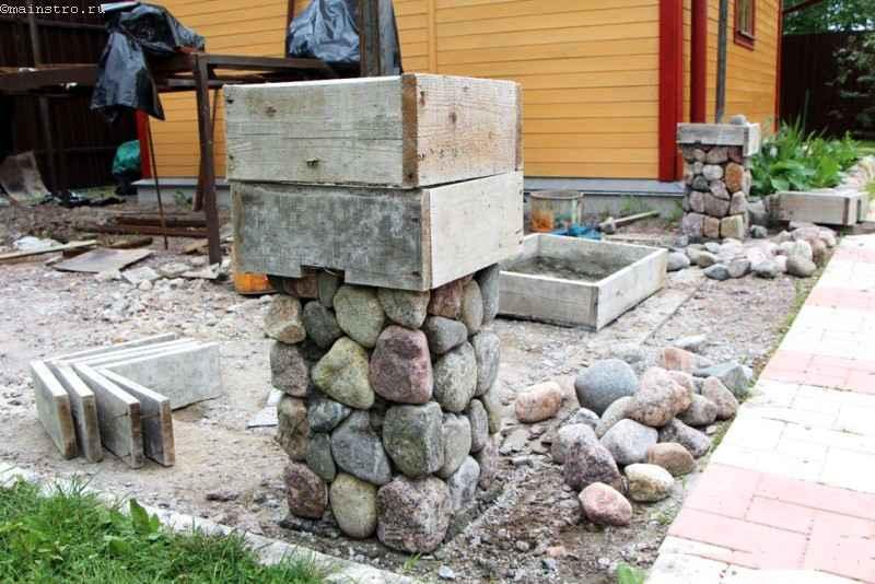 Столбы из камня для забора