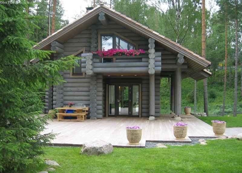 Двухэтажный дом с мансардой и террасой