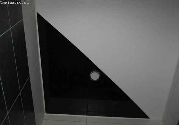 Черно-белая гамма для комбинированных натяжных потолков