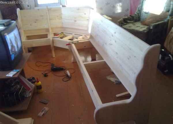 устройство сидений и спинок кухонного уголка