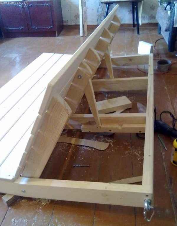 Механизм складывания спинки дивана под садовые качели