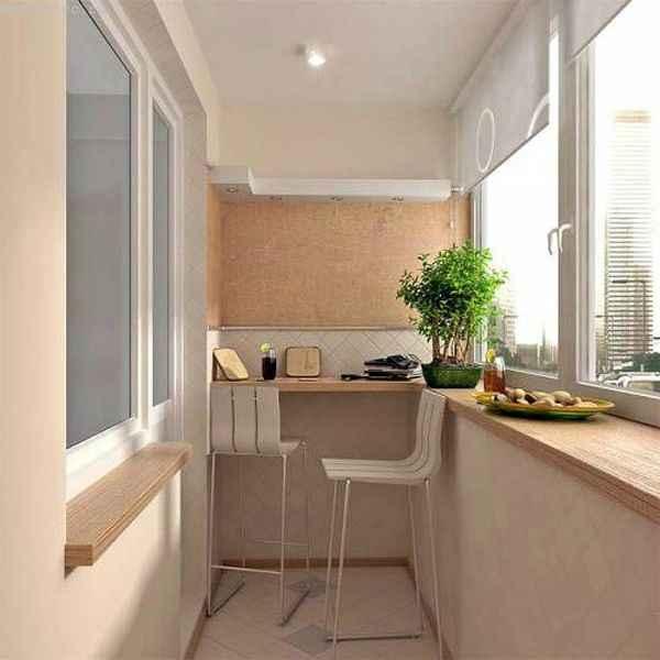Балкон, расположенный возле кухни - фото