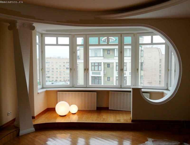 Балкон в теплом остеклении, который присоединен к комнате