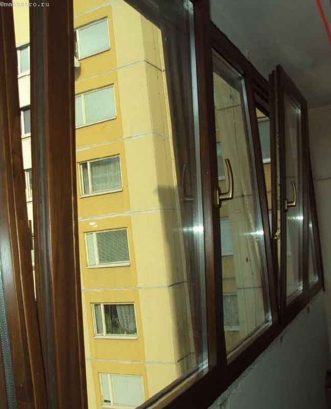 Балкон с евроокнами - фото