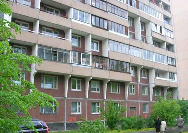 Остекление балкона и лоджии в доме серии П-46