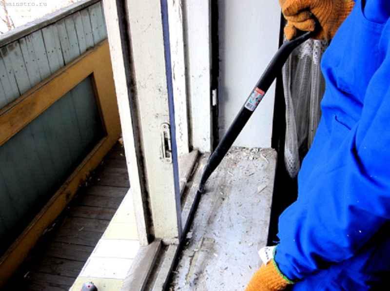 Остекление балконов деревом: подготовительные работы