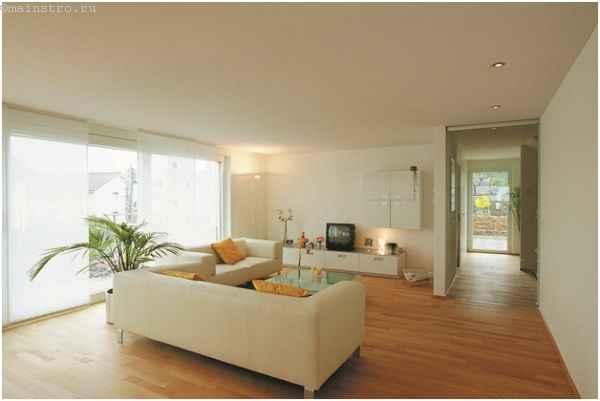 Тканевый белый натяжной потолок в гостинной