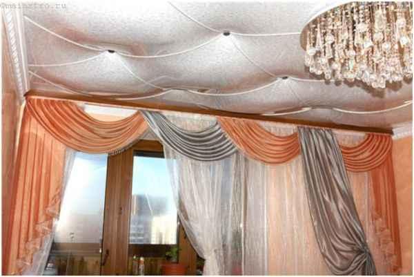На фото оригинаьный ПВХ натяжной потолок