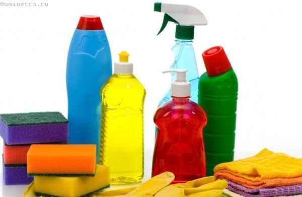 Уход за натяжным потолком: средства для очистки полотен
