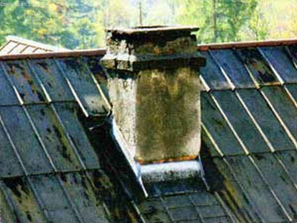 Элементы примыкания дымовой трубы с крышей, нуждающиеся в ремонте