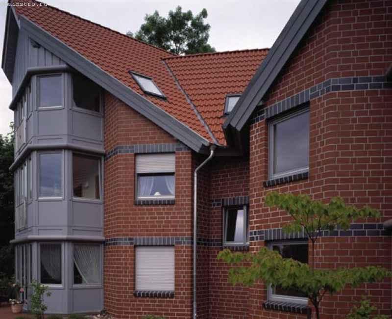 Клинкерный кирпич применен для фасада дома