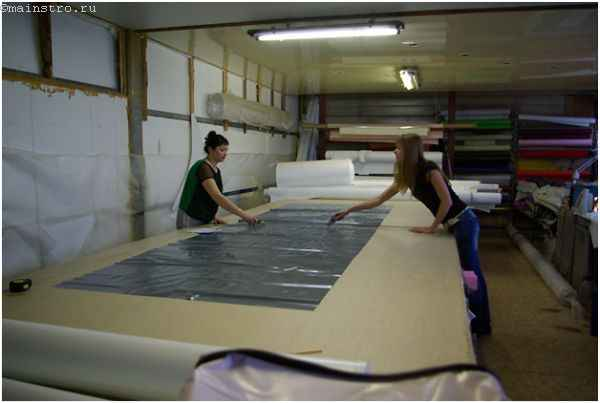 Изготовление натяжного потолка: раскройка полотнища