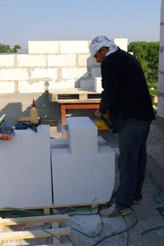 Изготовление U-блоков при помощи пилы-аллигатора