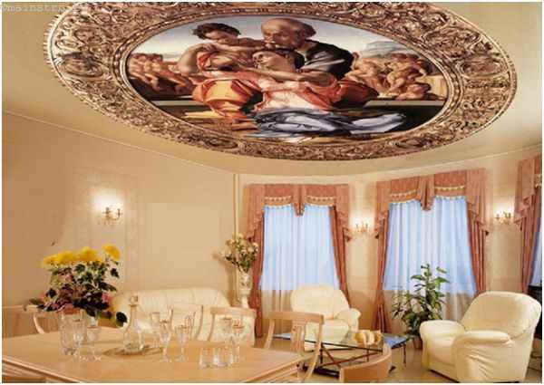Натяжные потолки с фотопечатью в гостиной