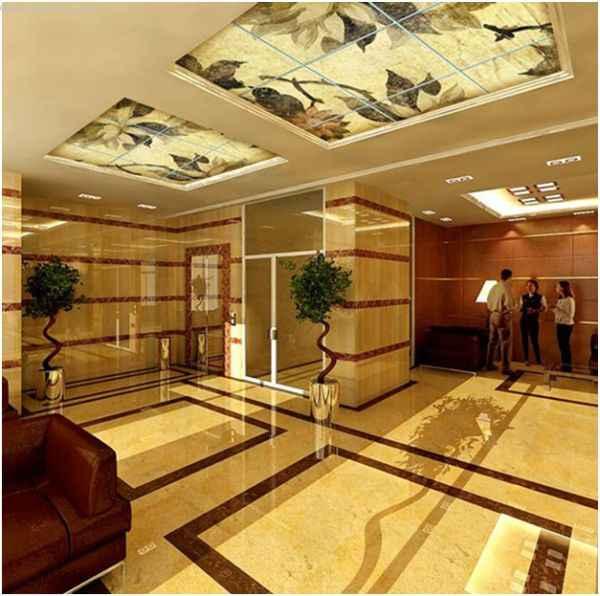 Натяжные потолки с фотопечатью в холле гостиницы