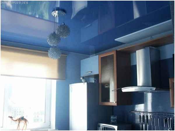 """""""Зеркальные"""" натяжные потолки для кухни"""