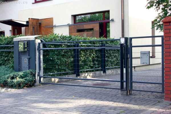 Одностворчатые распашные ворота