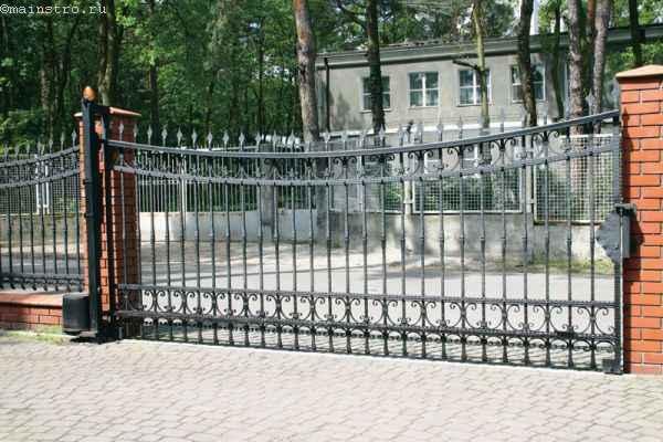 Откатные ворота на шине
