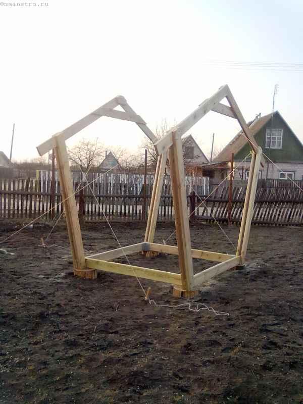 Монтаж 2-й пятиугольной части каркаса садовой беседки