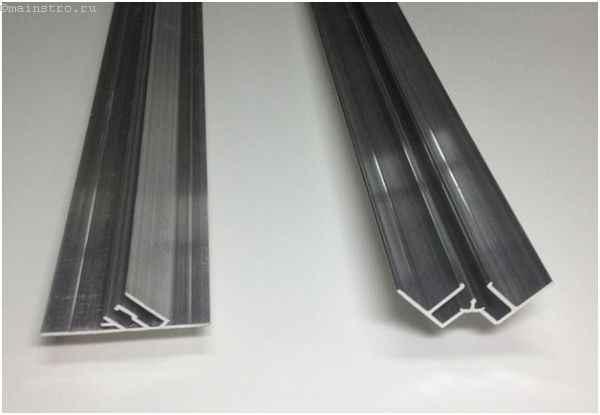Двойной и угловой багет для натяжных потолков (слева направо)