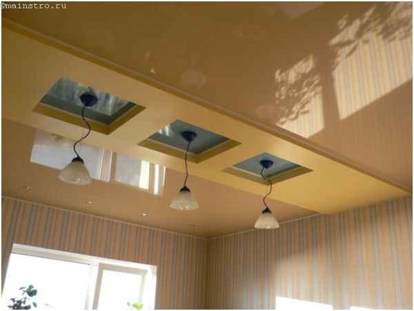 На фото цветные глянцевые виды натяжного потолка
