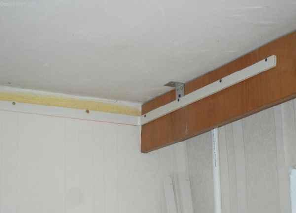 ПВХ натяжной потолок : фото готового профиля