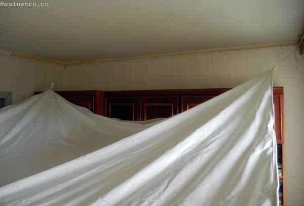 Натяжной потолок : ПВХ пленка готова к нагреву пушкой
