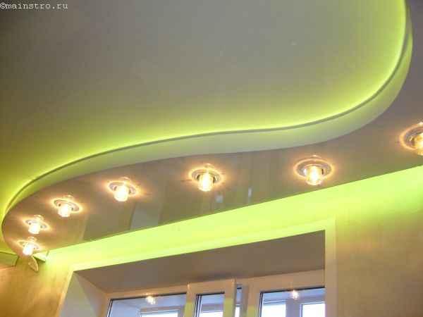 Двухуровневый ПВХ натяжной потолок со светодиодной подсветкой