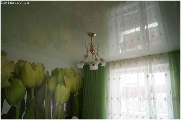 Зеркальный эффект на натяжном потолке