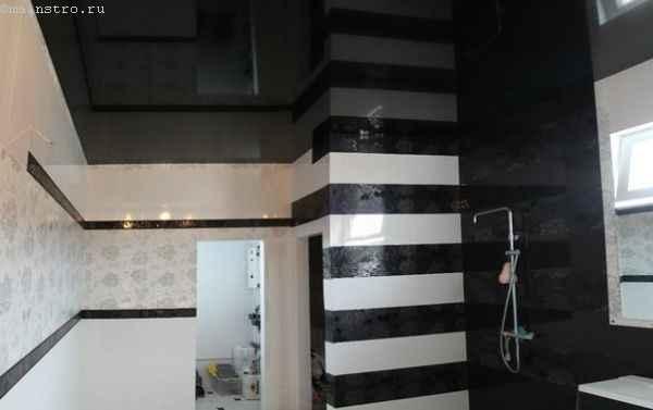 Глянцевые натяжные потолки в ванной