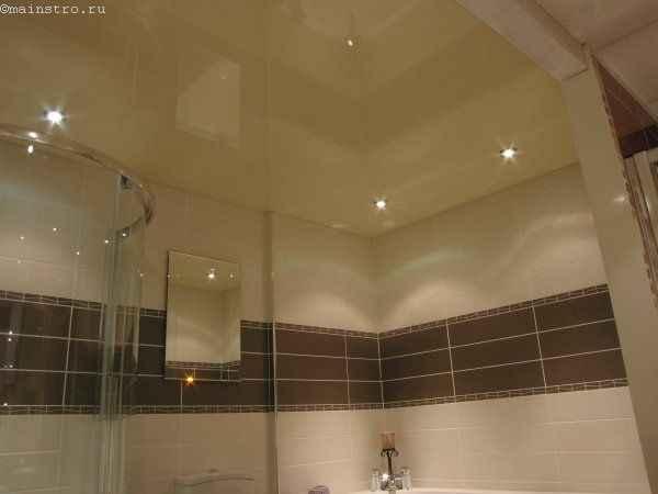 Натяжные потолки из ПВХ пленки в ванной