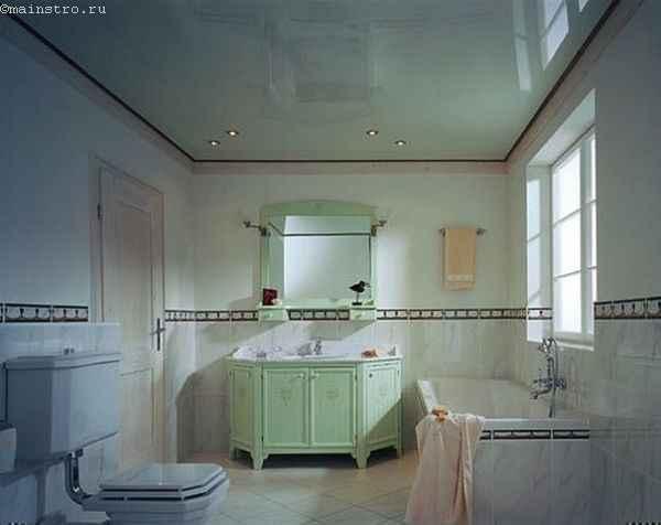 Зеркальные натяжные потолки в ванной фото