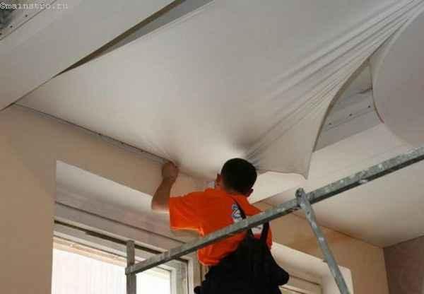 Монтаж натяжных потолков: установка полотна