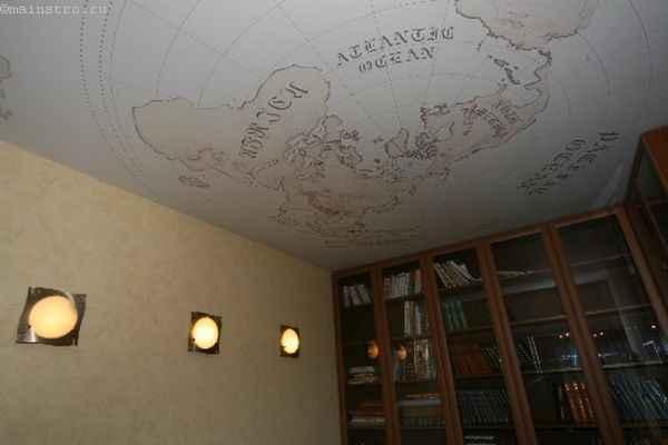 Одноуровневые натяжные потолки в кабинете