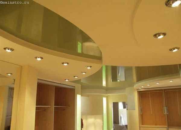 Фото  2-х уровневых натяжных  потолков сложной формы