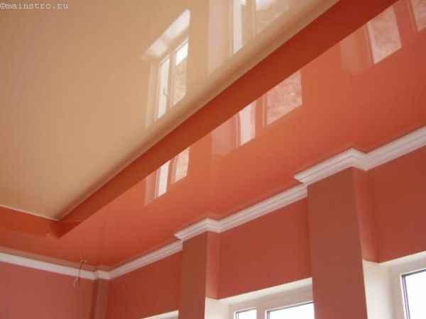 На фото зеркальные 2-х уровневые натяжные потолки