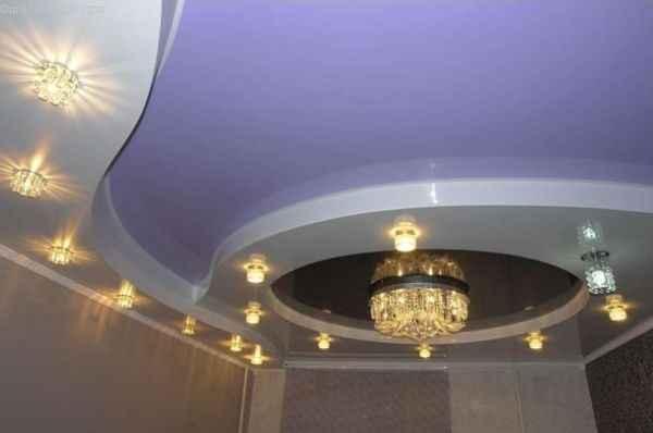 Фото: 2-х уровневые натяжные потолки с подсветкой