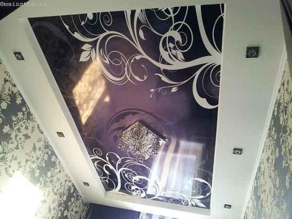 Гляневые чёрно-белые натяжные потолки с фотопечатью