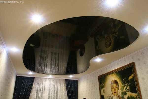 Фото зеркального чёрно-белого натяжного потолка