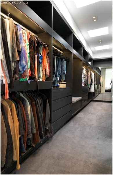 Сквозная гардеробная комната