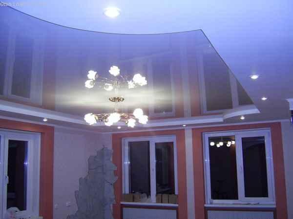 Зеркальный многоуровневый натяжной потолок