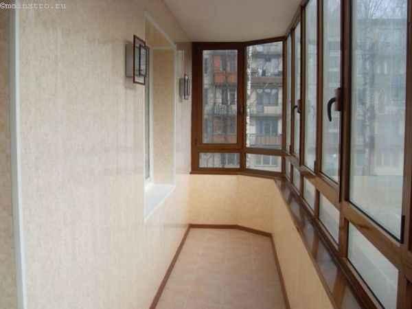 Деревянный профиль для остекления балконов и лоджий