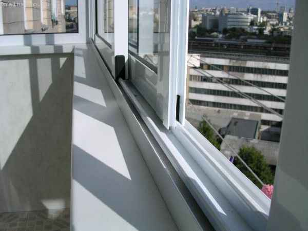 Раздвижное открывание окон на балконе