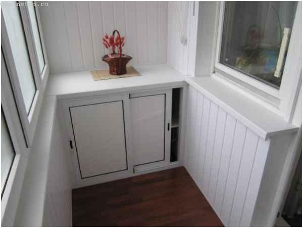 Балкон с мебелью