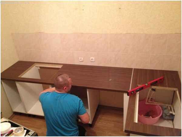 Выравнивание столешницы под кухню