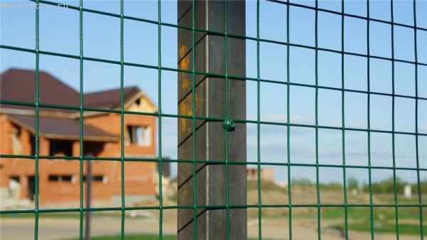 Временный забор из сетки с полимерного покрытия