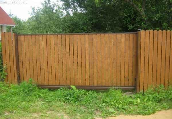 Откатные ворота (зашивка с заглублением доски в раму)