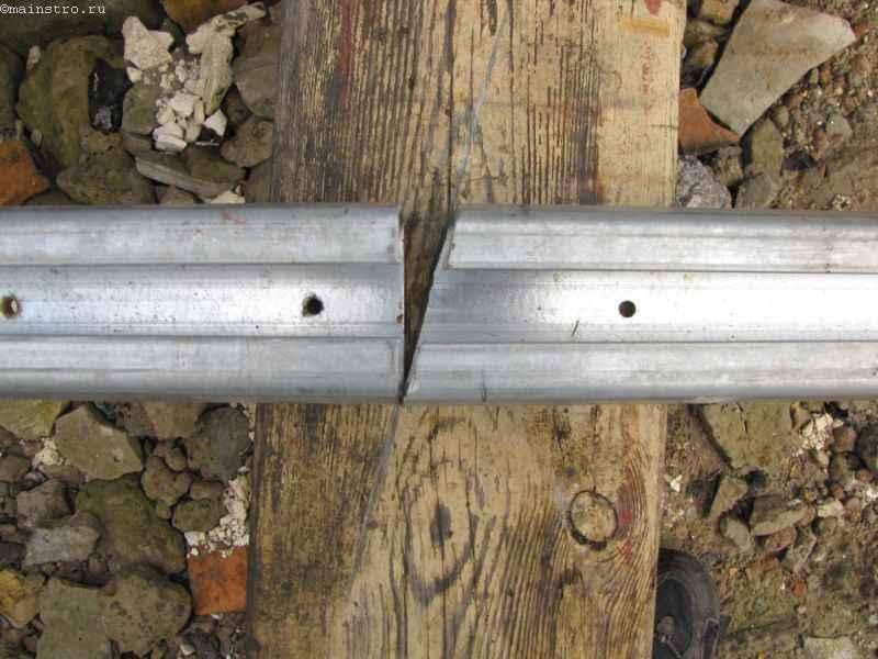 Косой рез на профиле для кареток в откатных подвесных воротах